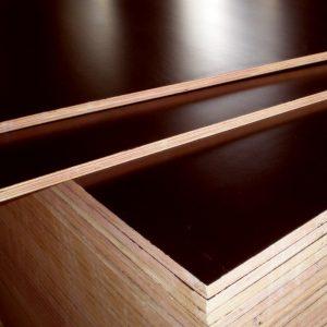 Plywoodskiva för släpvagn. 12 mm.